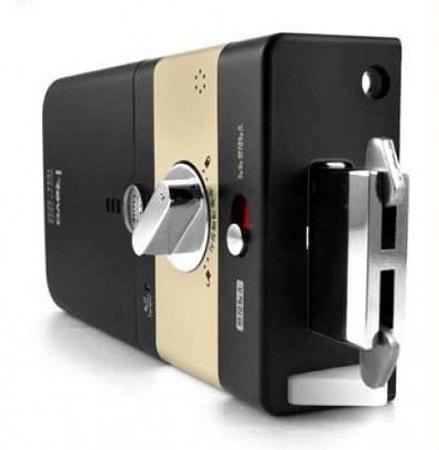 Запорное устройство биометрического замка