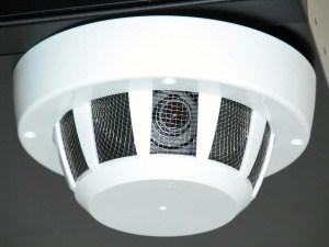 Миниатюрная камера установленная в датчике задымления