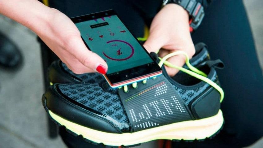 Кроссовки с датчиками нагрузки и расстояния